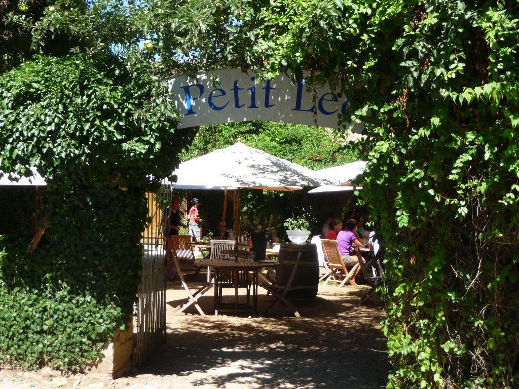 Restaurant A Saint Leon Sur Vezere
